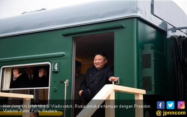 Naik Kereta Antipeluru, Kim Jong Un Tiba di Rusia - JPNN.com