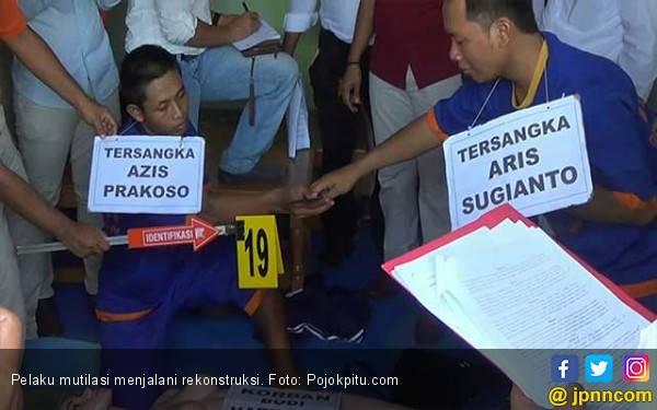 Pelaku Mutilasi Guru Honorer Jalani Rekonstruksi - JPNN.com