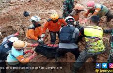 Dampak Banjir dan Longsor Bengkulu Meluas, 10 Warga Meninggal - JPNN.com