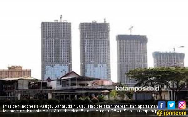 BJ Habibie Resmikan Gedung Pencakar Langit di Batam - JPNN.com