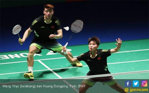 Wang Yilyu / Huang Dongping Back to Back Juara Asia - JPNN.com
