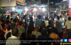 Teladan Warga Kapuk: Pendukung Jokowi dan Prabowo Syukuran dan Ngopi Bareng - JPNN.com
