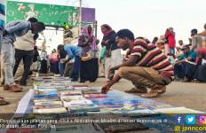 Kisah Perpustakaan Jalanan di Tengah Demo Sudan - JPNN.com