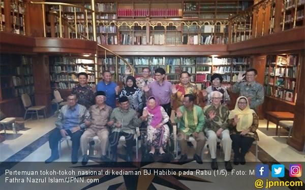 Mahfud MD Ungkap Isi Pertemuan Para Tokoh Bangsa di Kediaman BJ Habibie - JPNN.com