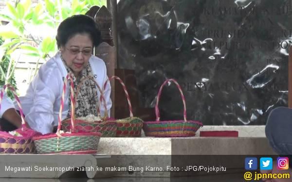 Bu Mega Kembali Ziarah ke Makam Bung Karno - JPNN.com