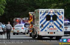 Penembakan Massal di Kampus UNC, Dua Mahasiswa Tewas - JPNN.com