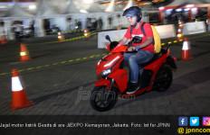 Mengecas Motor Listrik di Rumah dapat Diskon Khusus dari PLN - JPNN.com