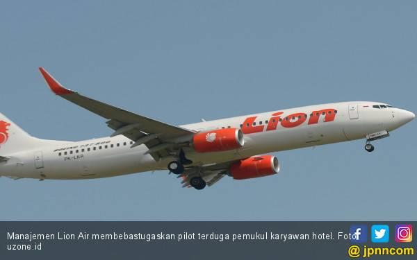 Lion Air Minta Maaf, Bebastugaskan Pilot Terduga Pemukul Karyawan Hotel - JPNN.com