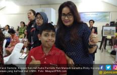 Kisah Carol Samola, Awalnya Terkejut saat Dikasih Tahu Anaknya Autis - JPNN.com