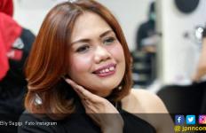 Masih Sayang, Elly Sugigi Rela Dipoligami Mantan Suami - JPNN.com