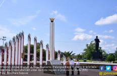 Tinjau Lokasi Alternatif Ibu Kota, Jokowi Singgah di Tugu Soekarno - JPNN.com