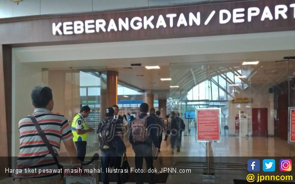 Tarif Batas Atas Tiket Pesawat 12-16 Persen - JPNN.com