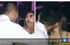 Oknum Polisi Rayakan Ultah Bareng Pacar di Tempat Hiburan, Videonya Viral - JPNN.com