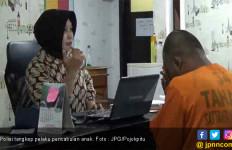 Beri Uang Tutup Mulut Rp 20 Ribu, Ayah Cabuli Anak Tiri - JPNN.com