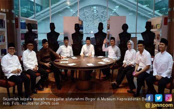 Silaturahmi Tokoh di Bogor, Bupati Anas: Ganjar Kumandangkan Ikamah, Gubernur NTB jadi Imam - JPNN.com