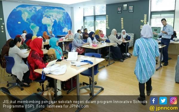 Aksi Nyata JIS Ikut Tingkatkan Kualitas Pengajar Sekolah Negeri - JPNN.com