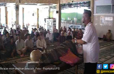 Bulan Puasa, Para Narapidana Diajarkan Cara Memandikan Jenazah - JPNN.com