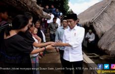 Wisata Mendadak, Jokowi Kagumi Keunikan Dusun Sade - JPNN.com