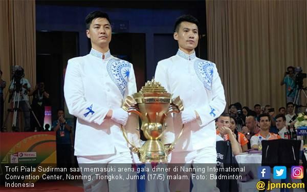 Saat Trofi Piala Sudirman Dibawa Masuk, Semua Terdiam, Termasuk Indonesia - JPNN.com