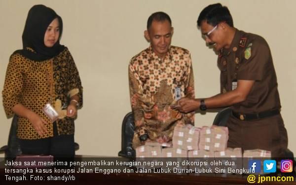 Dua Koruptor Kembalikan Kerugian Negara Rp 712,2 Juta - JPNN.com