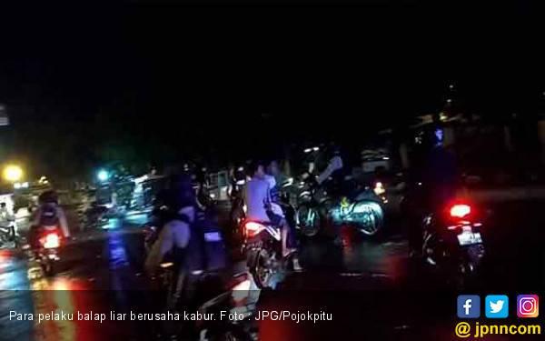Sahur, Polisi Kejar - kejaran dengan Pembalap Liar, yang Sabar ya Pak - JPNN.com