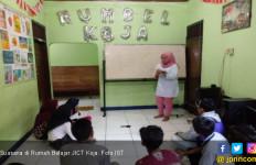 Lewat Rumah Belajar JICT Koja, Arifin Berhasil Raup Omzet Belasan Juta - JPNN.com
