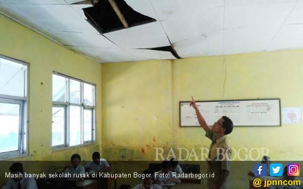 6.000 Sekolah di Bogor Rusak, Ancam Siswa dan Guru - JPNN.com