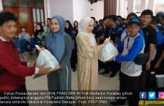PIA F-PAN Bagikan Sembako untuk Petugas Kebersihan - JPNN.com