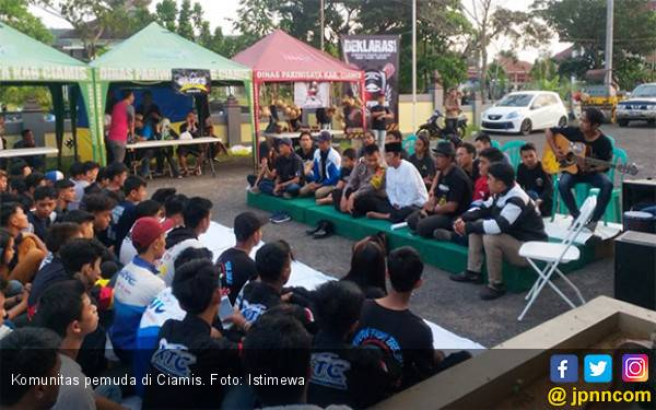 Komunitas Pemuda di Ciamis Pilih Jaga Kampung Daripada Ikut People Power - JPNN.com