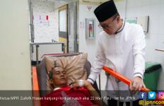 Zulkifli Hasan Kunjungi Para Korban Kerusuhan Aksi 22 Mei - JPNN.com