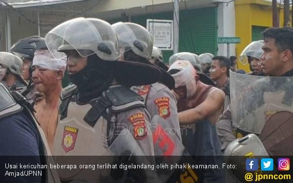 Rusuh Lagi di Petamburan, Sejumlah Orang Digelandang - JPNN.com
