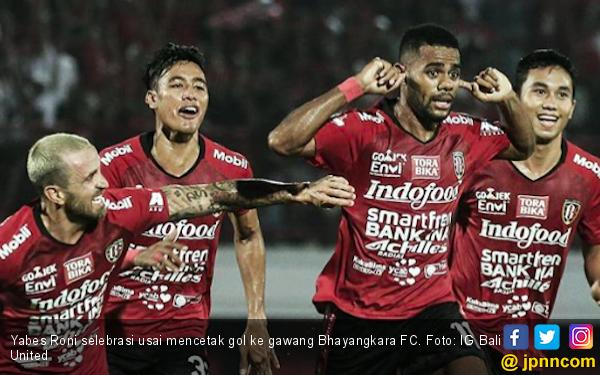 Gol Tunggal Yabes Roni Bawa Bali United ke Puncak Klasemen - JPNN.com
