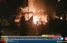 Ternyata Warga Juga Lemparkan Bom Molotov ke Kantor Polsek Sebelum Dibakar - JPNN.com
