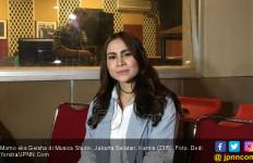 Kerusuhan 22 Mei Sempat Bikin Momo Eks Geisha Takut ke Jakarta - JPNN.com