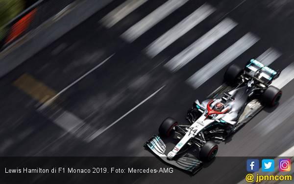 Lewis Hamilton Berjuang dengan Semangat ala Niki Lauda - JPNN.com