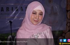 Ghea Indrawari Tampil Berhijab, Cantik - JPNN.com