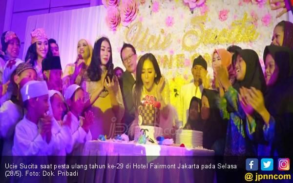 Ultah ke-29 Tahun, Ucie Sucita Gelar Bukber dan Doa Bersama Anak Yatim - JPNN.com