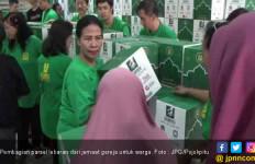Jemaat Gereja Beri 2.200 Parsel Lebaran untuk Warga Muslim - JPNN.com