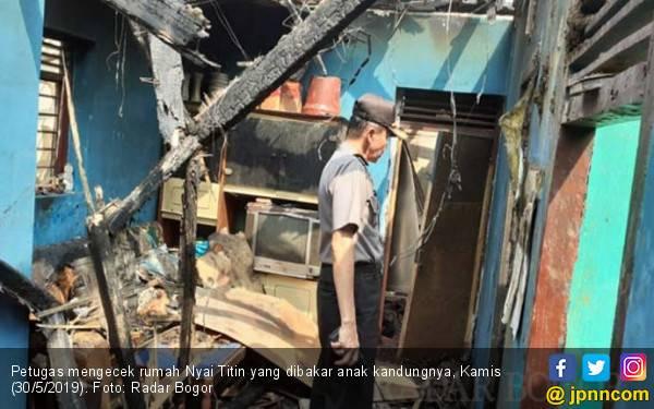 Anak Tega Bakar Ibu Kandung di Bogor, Ternyata Ini Penyebabnya - JPNN.com