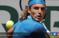 Stefanos Tsitsipas Ukir Sejarah Yunani di Roland Garros - JPNN.com