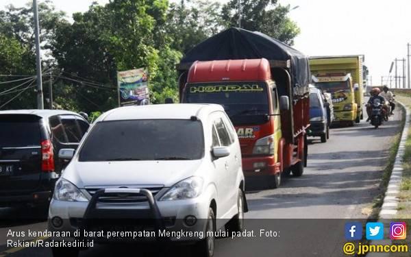 Jalur Surabaya - Solo Dipadati Pemudik - JPNN.com