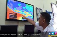 Pemudik yang Naik Kapal Laut Harus Baca Prediksi BMKG Ini - JPNN.com