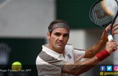Roger Federer jadi Petenis Tertua yang Lolos 16 Besar Roland Garros dalam 47 Tahun Terakhir - JPNN.com
