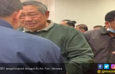 Wajah Sembab SBY Ditinggal Bu Ani - JPNN.com