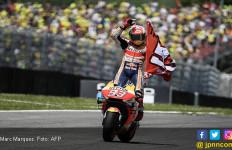 MotoGP Barcelona: Pembalap Tuan Rumah Saling Sikut - JPNN.com