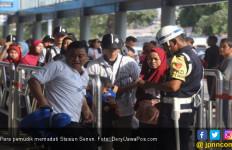 221.948 Pemudik Tinggalkan Jakarta Lewat Stasiun Senen - JPNN.com