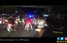 Pak Polisi Pusing, Warga Sering Tawuran Saat Sahur - JPNN.com