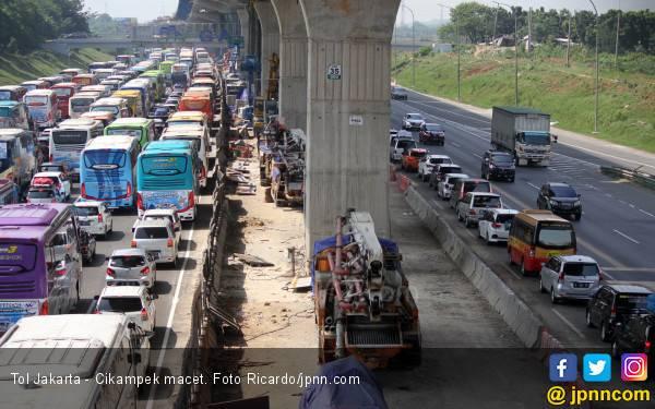 Harap Bersabar, ada Perbaikan Jalur arah Tol Jakarta dan Cikampek - JPNN.com