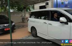 Anak Buah Mudik, Pak Wali Kota Sopiri Sendiri Mobil Dinas ke Kantor - JPNN.com