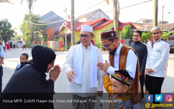 Ketua MPR Salat Id Bersama Ustaz Adi Hidayat di Bekasi - JPNN.com